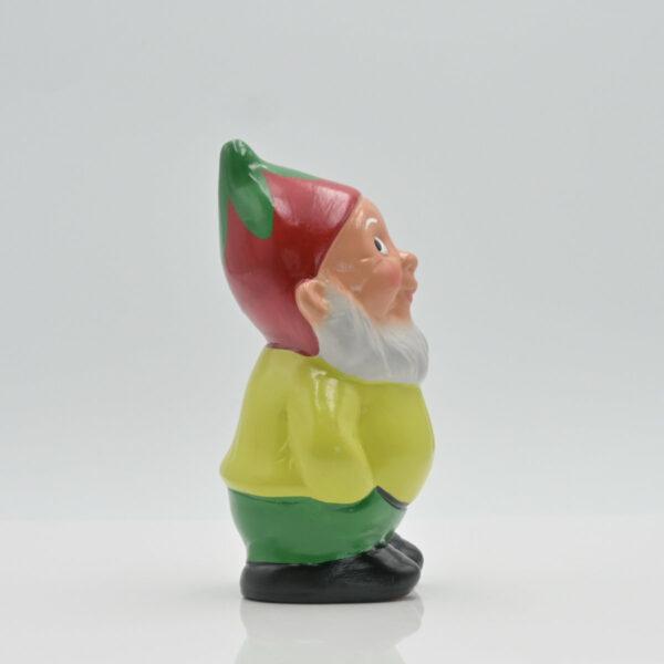 """Zwerg """"Bert mit Erdbeere"""" fotografiert in Seitenansicht"""